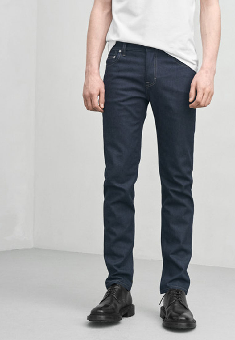 Donkere jeans