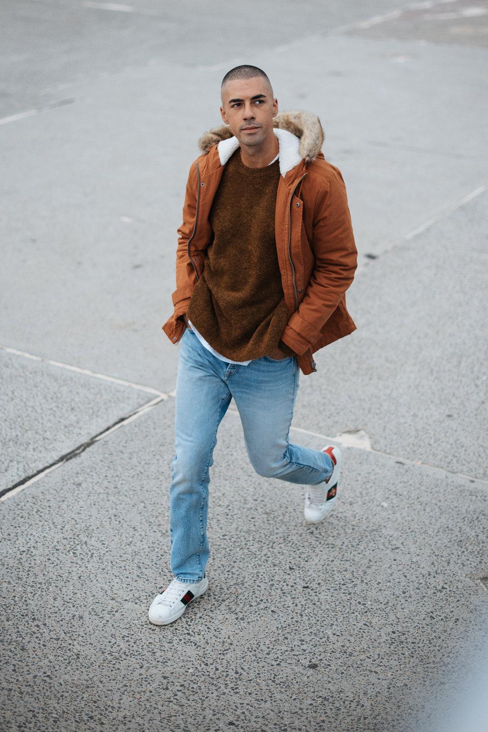 Spijkerbroek man