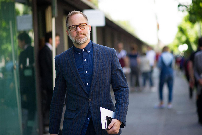 smart casual kledingstijl bij een consultant