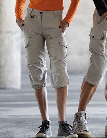 Korte Broek Heren Over De Knie.Deze 10 Herenmode Trends Behoren Gelukkig Tot Het Verleden House