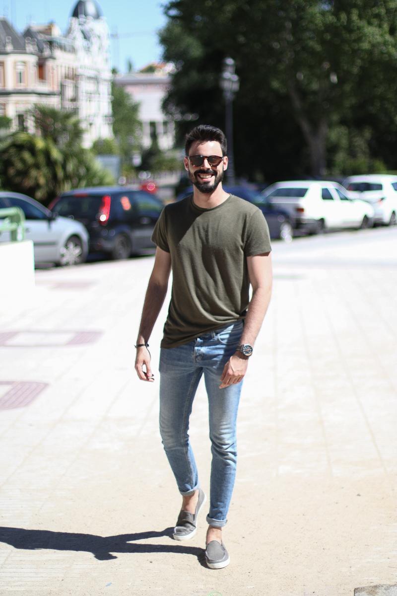 een spijkerbroek én een korte broek